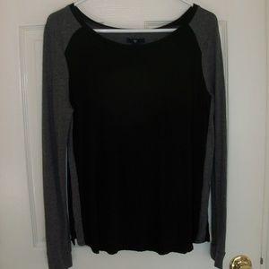 GAP Mixed Media black/gray top size Small